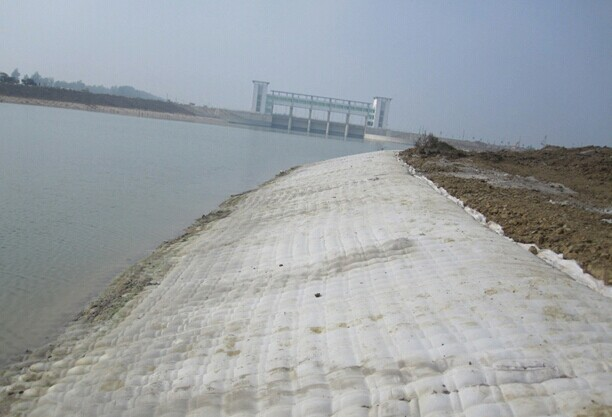 Geotextile for Railway Construction as one type of Geosynthetics