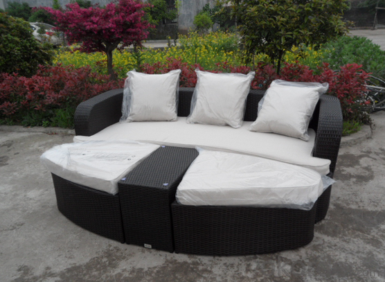 Patio Rattan Table Sofa for Outdoor use in Garden Wicker