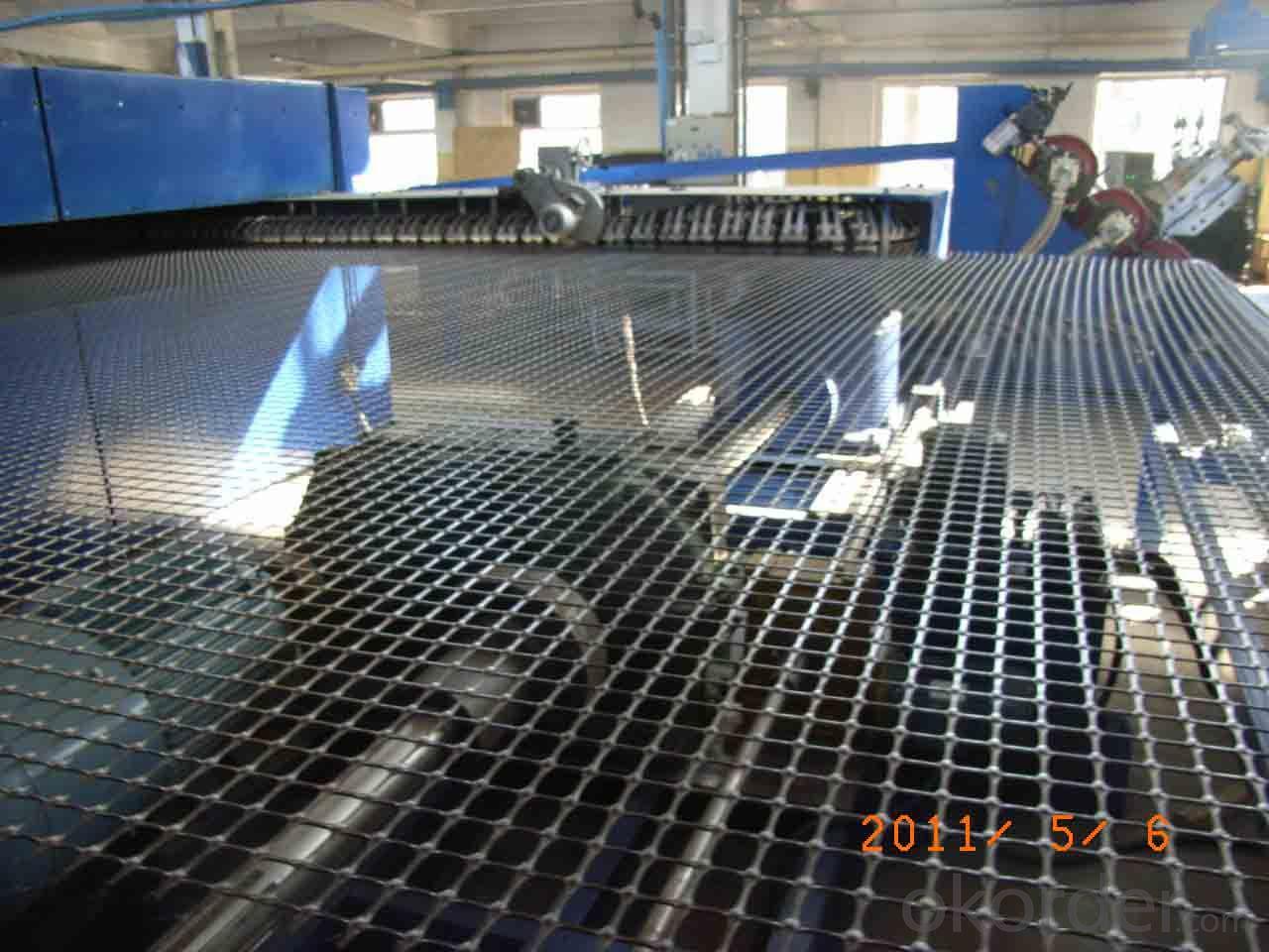 Asphalt Pavement Fiberglass Geogrid Made for Road Consolidation