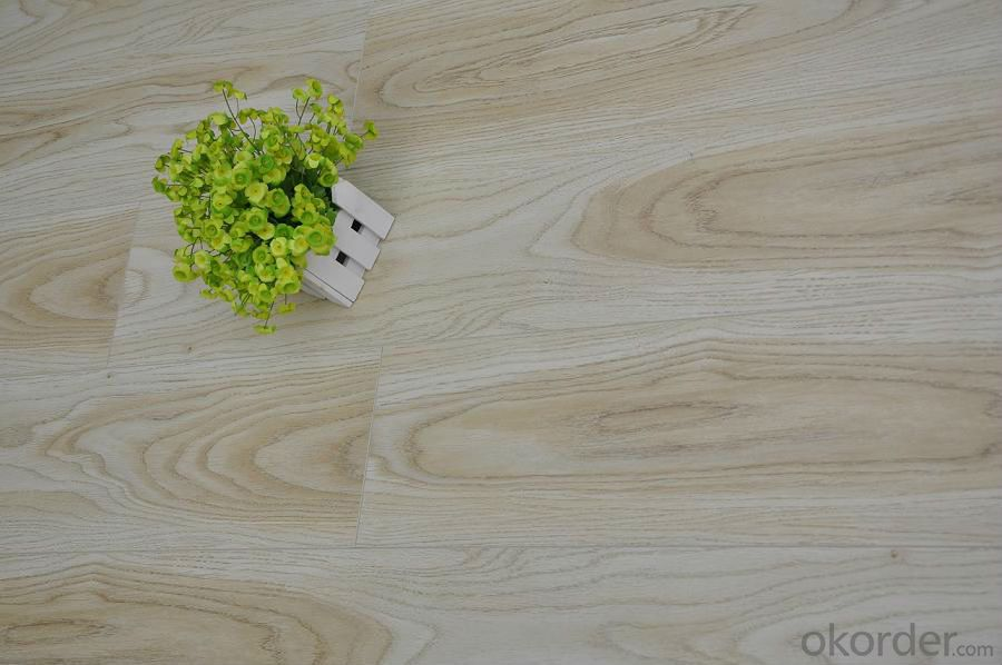 Laminate Flooring 7mm Export to Europe in Different Size