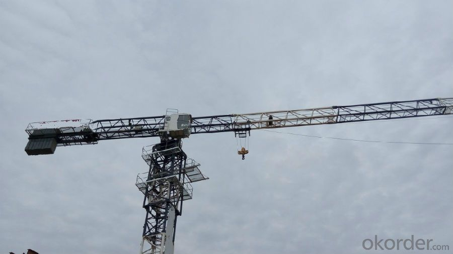 Tower Crane Flat-top Split in row 6T QTZ80(5512)