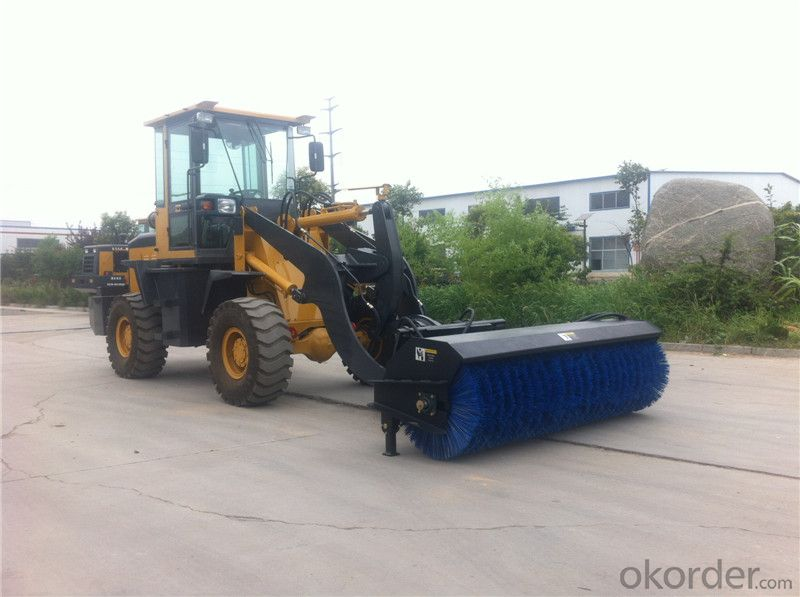 XD926G Wheel Loader with Sweeper Attachment