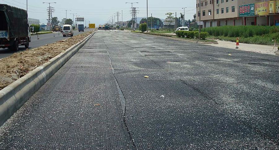 Fiberglass Geogrid Manufacturer with Asphalt Pavement