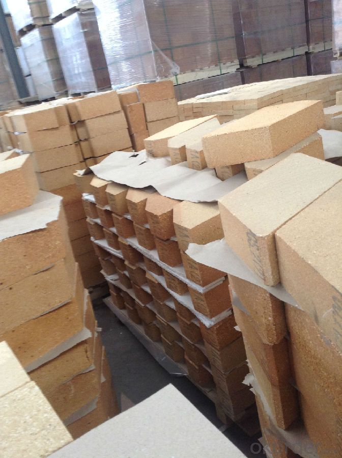 Fireclay Brick with Al2O3 content 40-42%