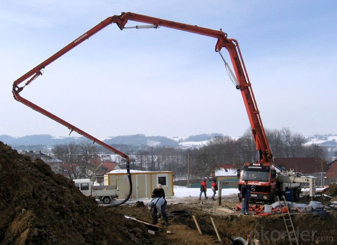 Concrete Pump Trucks 37m (8X4)380HP with Rhd Type