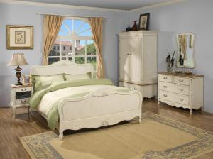 Solid Wood Bedroom Furniture Set