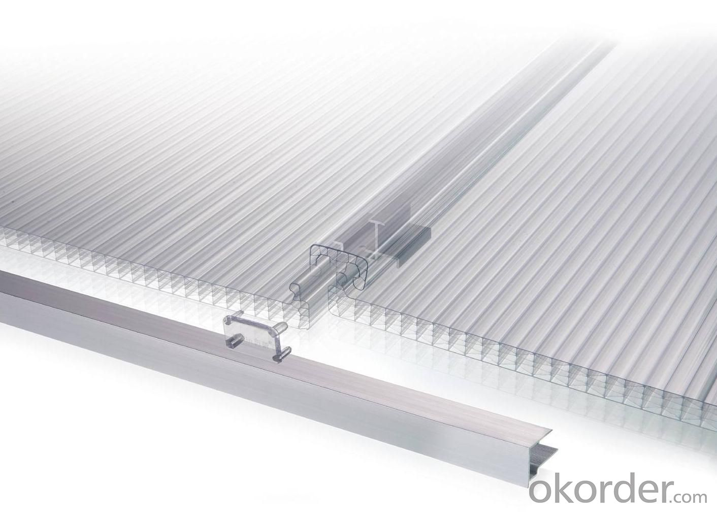 Locking-Design Structure Multiwall System with UV Protection