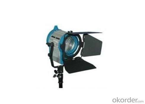 Pole-Operating 650watts Fresnel Tungsten Light