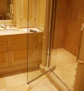 European Style Moden Design Shower Room