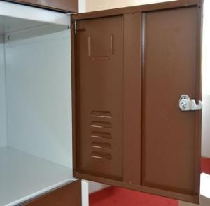 6 Door Locker CM-034