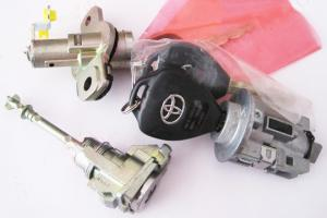 DOOR LOCK FOR TOYOTA COROLLA
