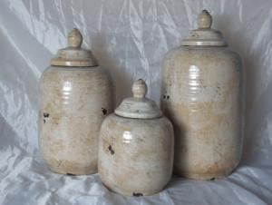 New Design Hot Selling Home Decorative Ceramic Light White Nature Flower Jar M