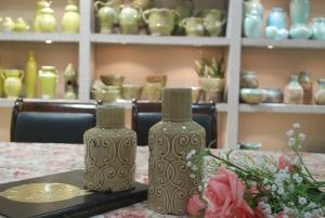 Hot Selling Fashion Home Décor Ceramic Clouds Pattern Cylindrical Shape Flower Vase S