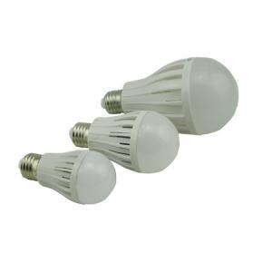 China Factory High Quality 7W PC Plastic SMD Chip 85V-264V LED Globe Bulb Lamp
