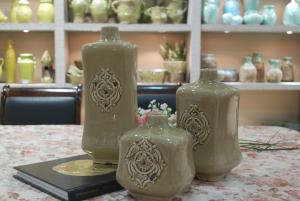 Hot Selling Fashion Home Décor Ceramic With Radians Flower Vase M