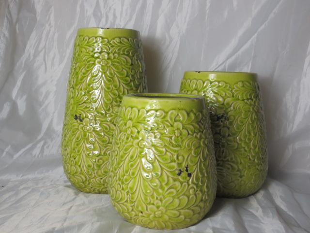 Hot Selling Fashion Home Décor Ceramic Light Green Chrysanthemum Pattern Flower Vase M
