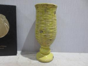 New Design Hot Selling Home Decorative Ceramic Trophies Shape Flower Vase