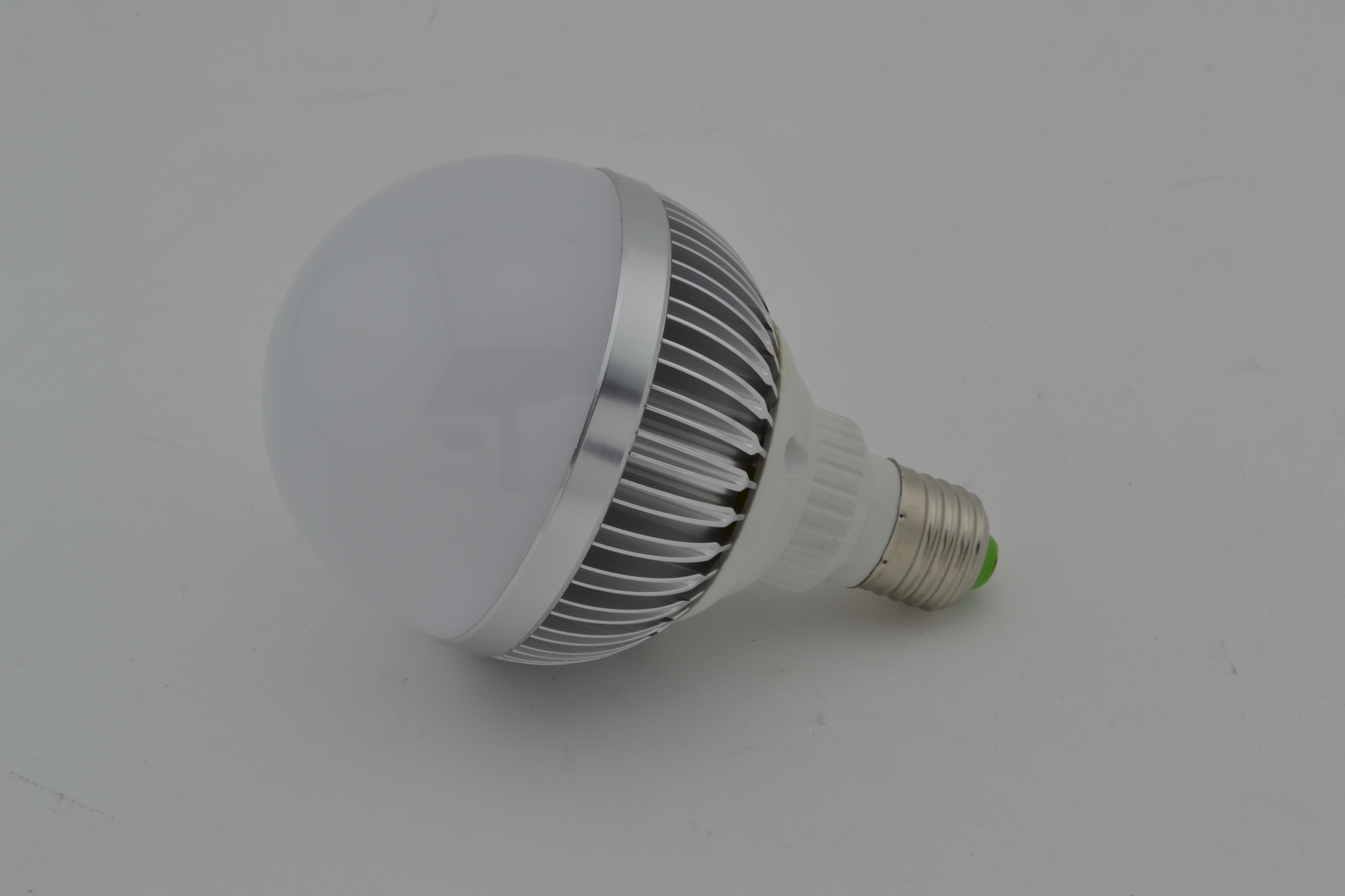 Newest 2 Years Warranty LED Bulb PC Cover Aluminum 5W E27