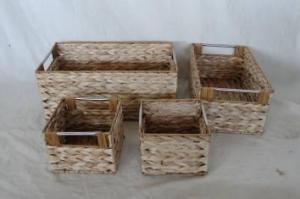 Home Storage Hot Sell Natural Cattail Woven Over Metal Frame Baskets S/4