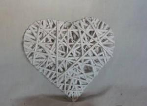Home Decor Hot Selling White-Painting Willow-Woven Heart Deco