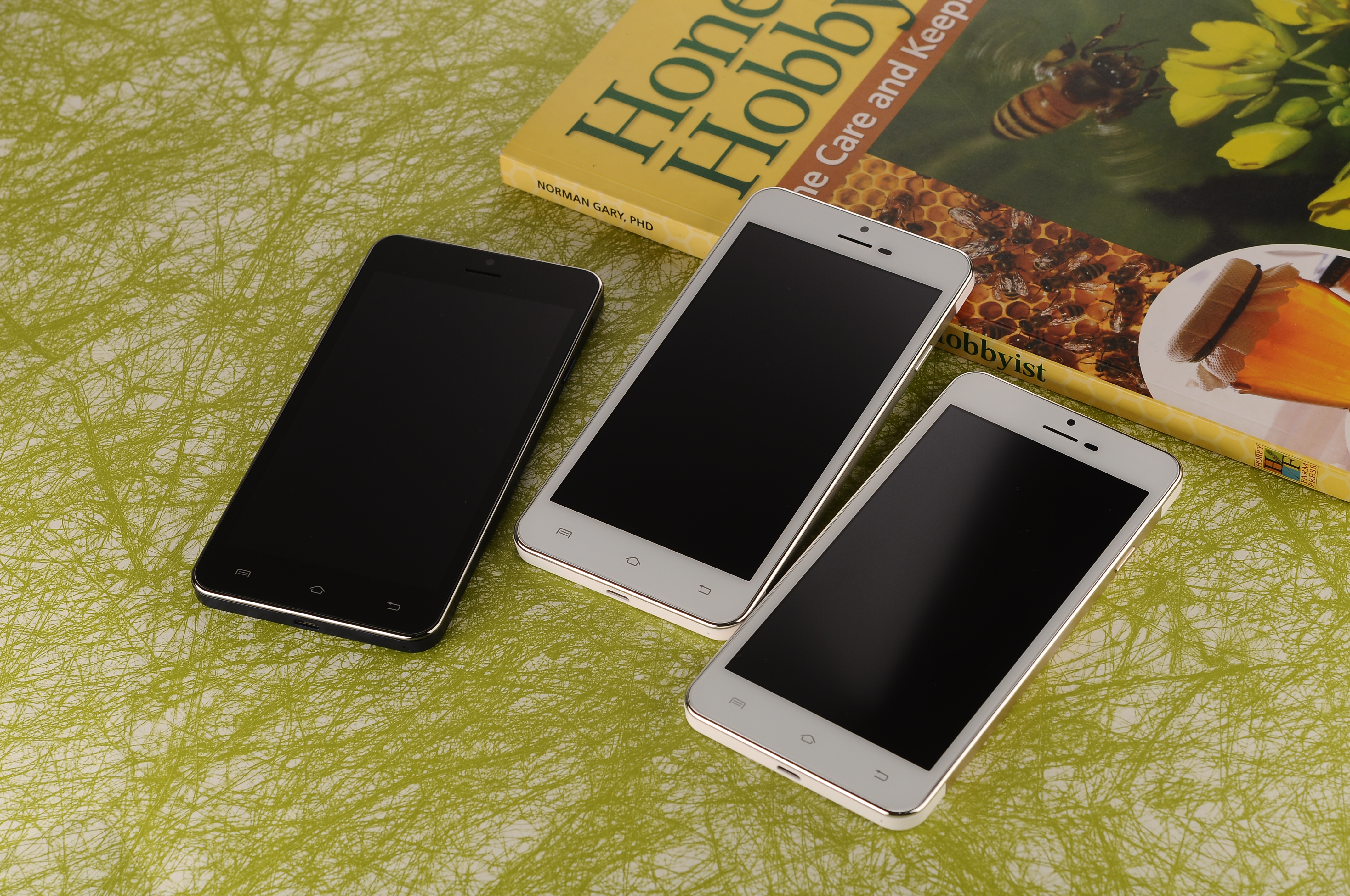 Mobile Phones  Android 4.2.2 3G Network 16GM+2G CM-X3S