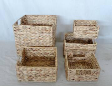 Home Storage Hot Sell Natural Waterhyacinth Woven Over Metal Frame Baskets S/5