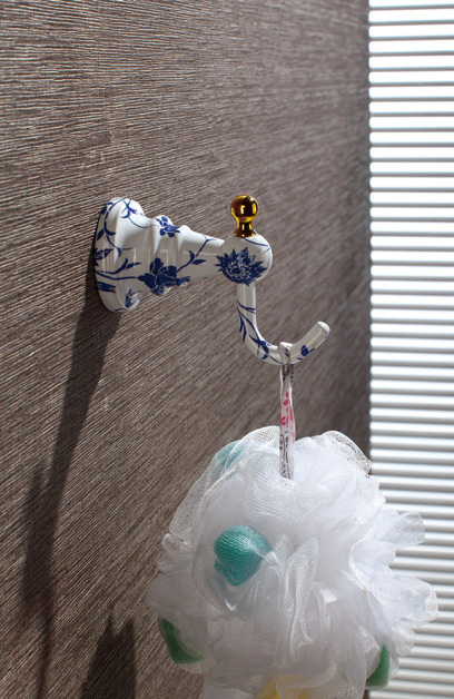 Hardware House Bathroom Accessories Blue And White  Porcelain Series Robe Hook