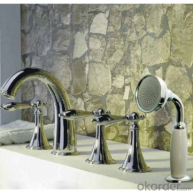Three Blass Handle Chrome Plated Bathroom Sink Faucet