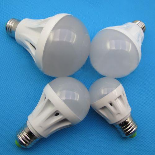 Epistar SMD 2835 LED Bulb Light Aluminum Radiator E27/E26 7W