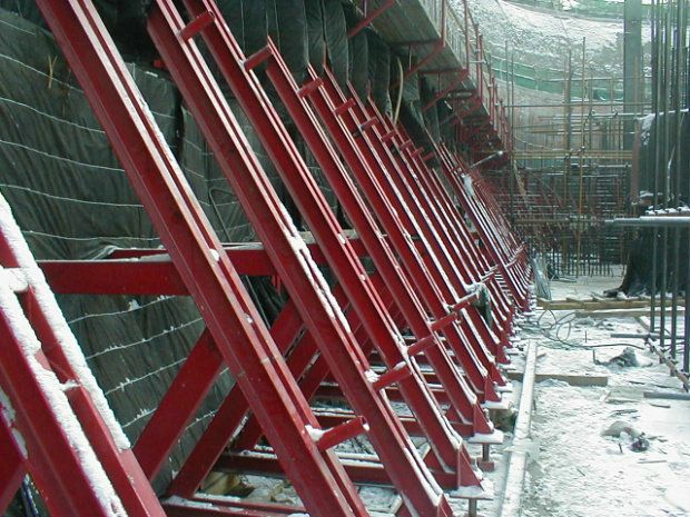 H20 Timber Beam Formwork with Single Side Bracket for Retaining Wall