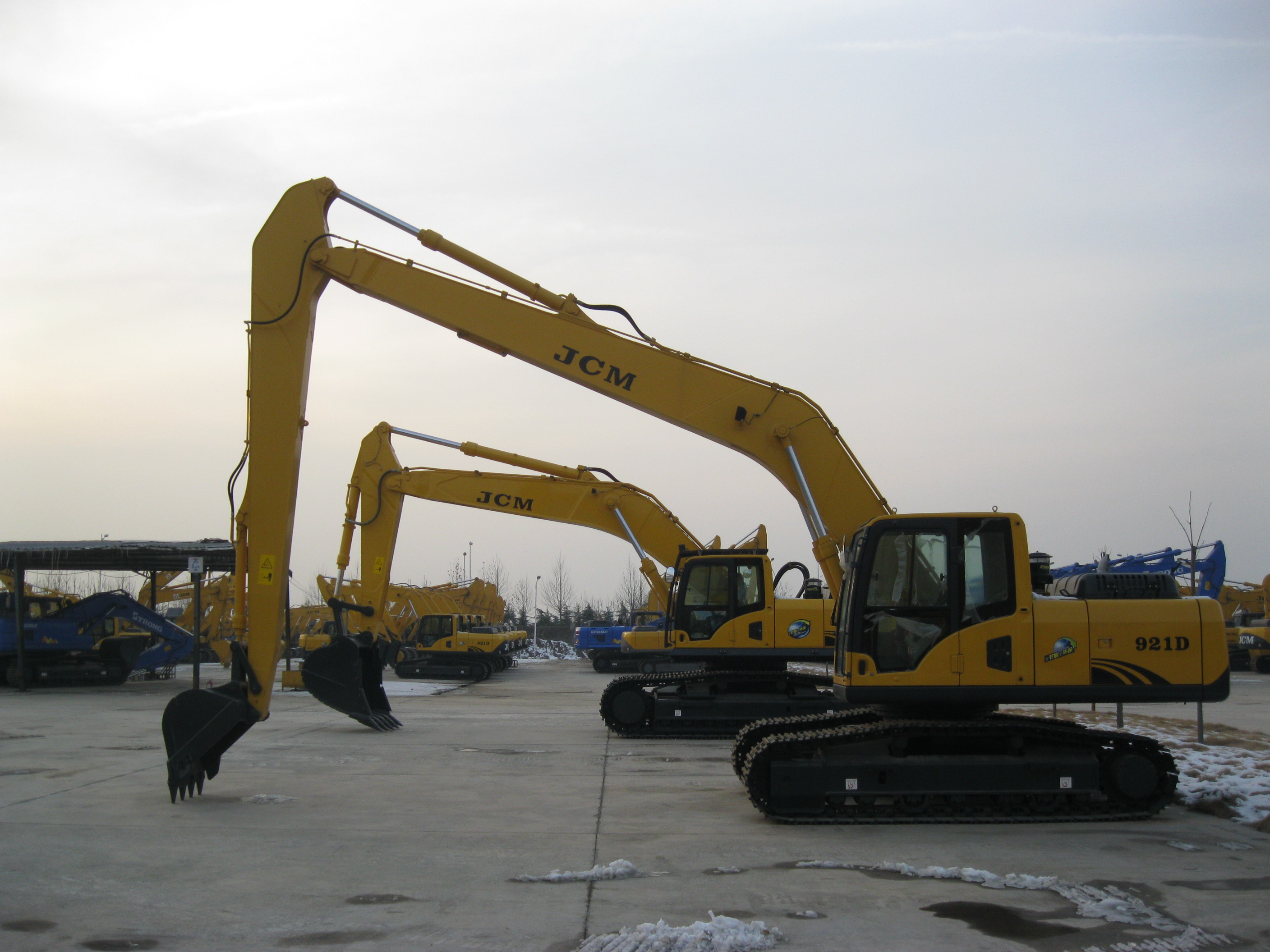 21 tons Long Boom Crawler excavator, long digging distance