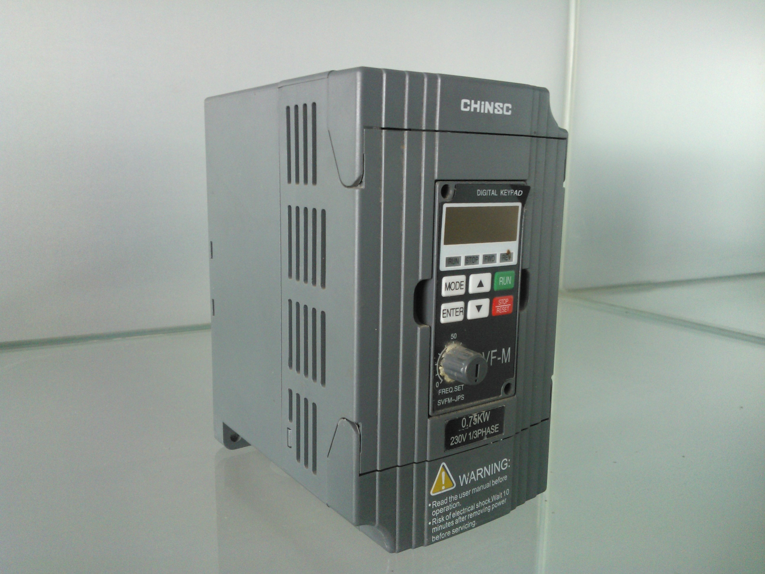 MINI Series Frequency Inverter 220v 380v  from 0.4kw to 0.75kw