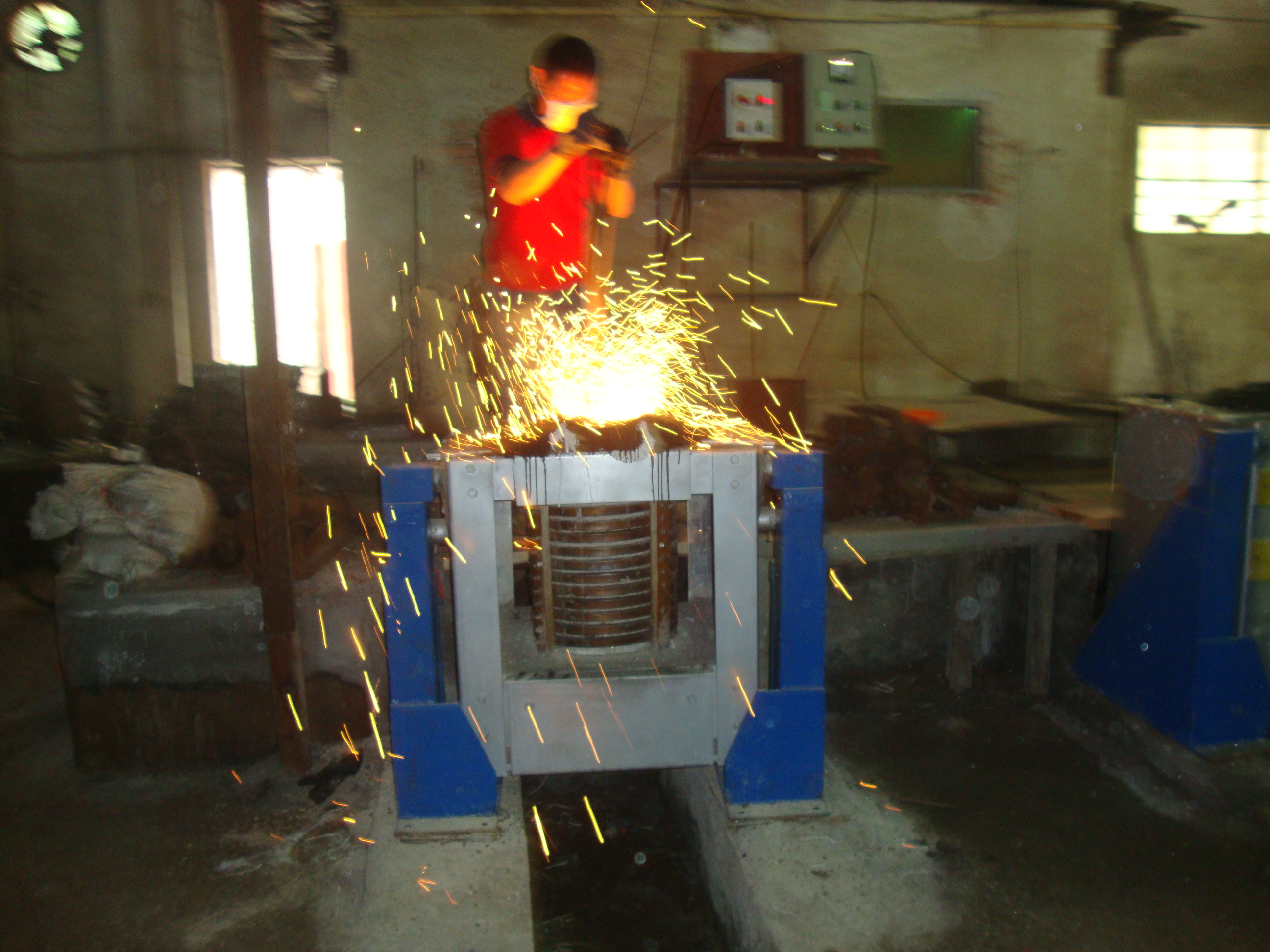 Induction Melting Furnace for Iron, Aluminum, Brass