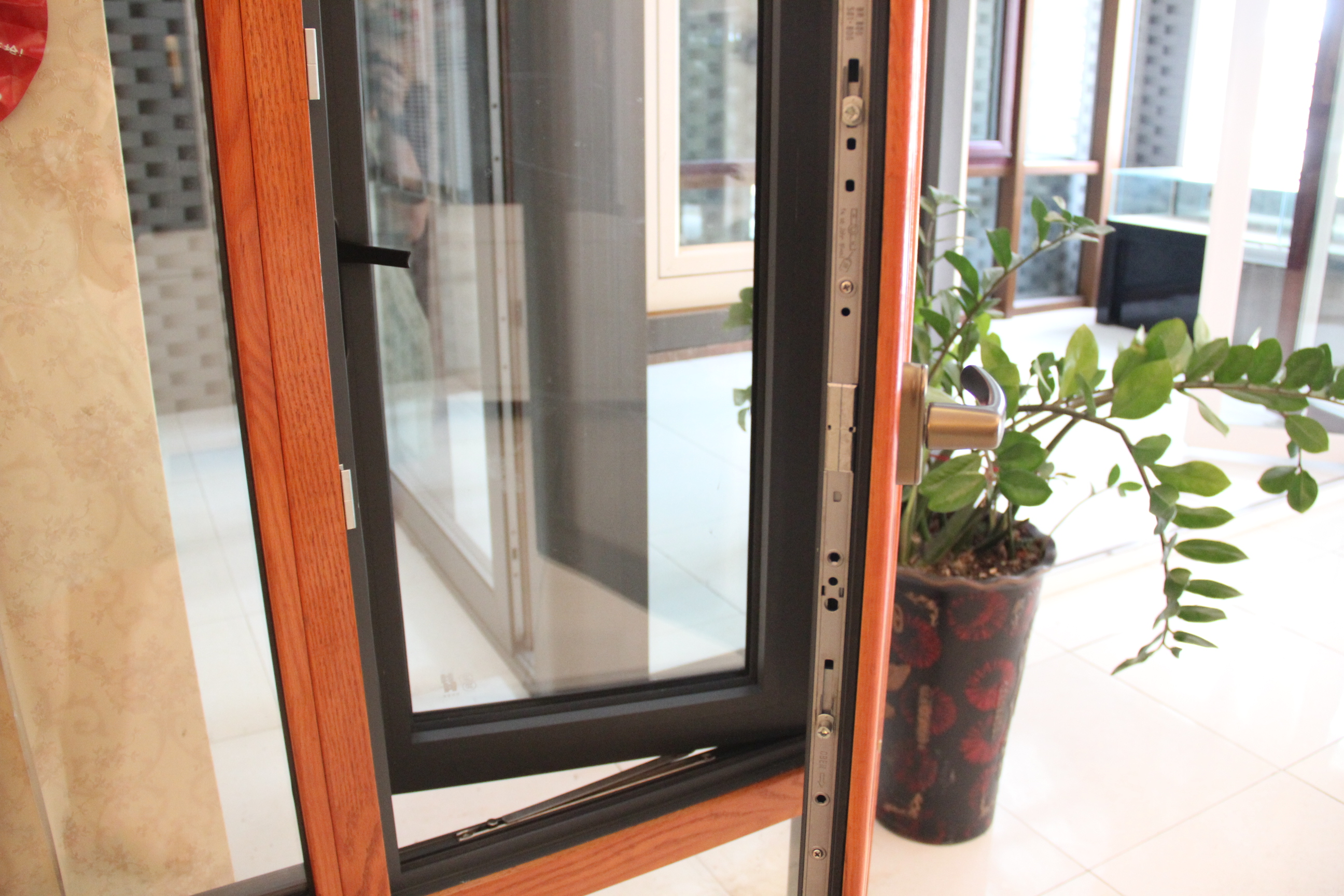 Energy saving aluminum clad wood ROTO hardware Double glazing aluminum window