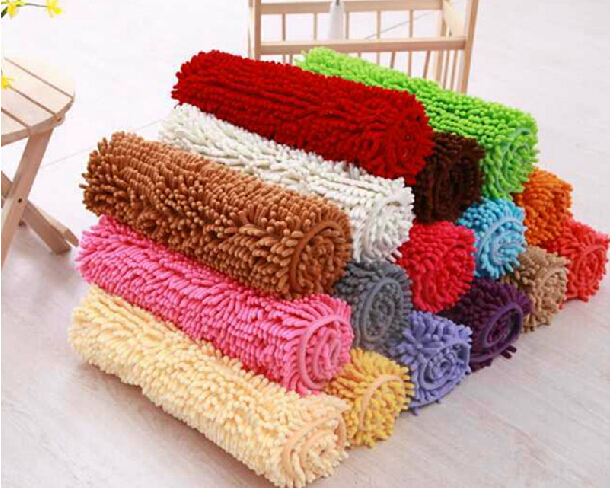 Low pile chenille carpet