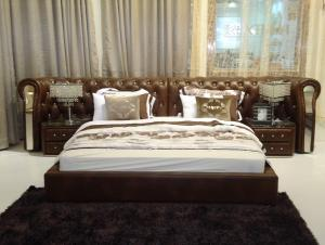 Modern classic leather bed King size best selling
