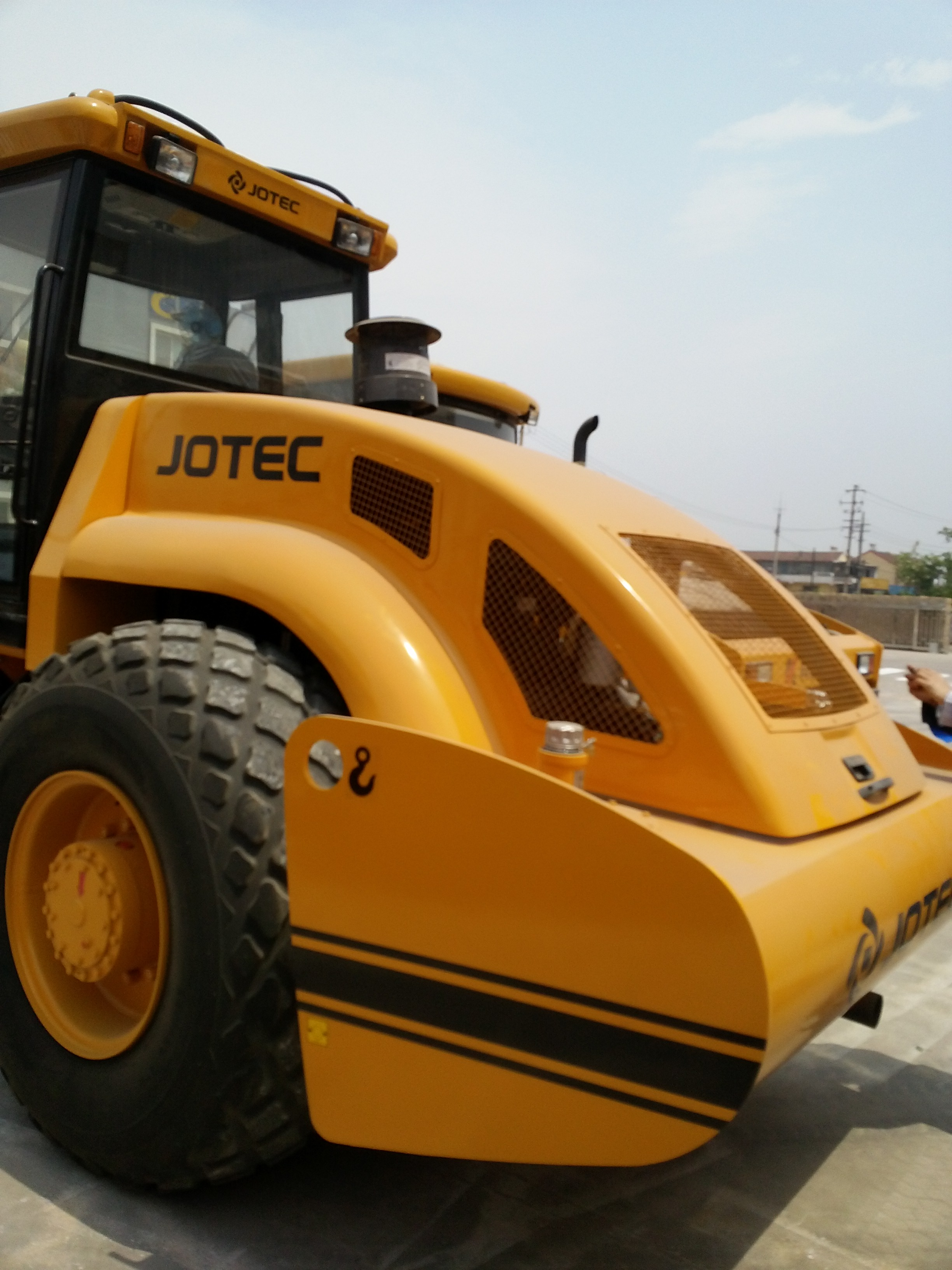KS182S fully hydraulic single drum vibratory roller