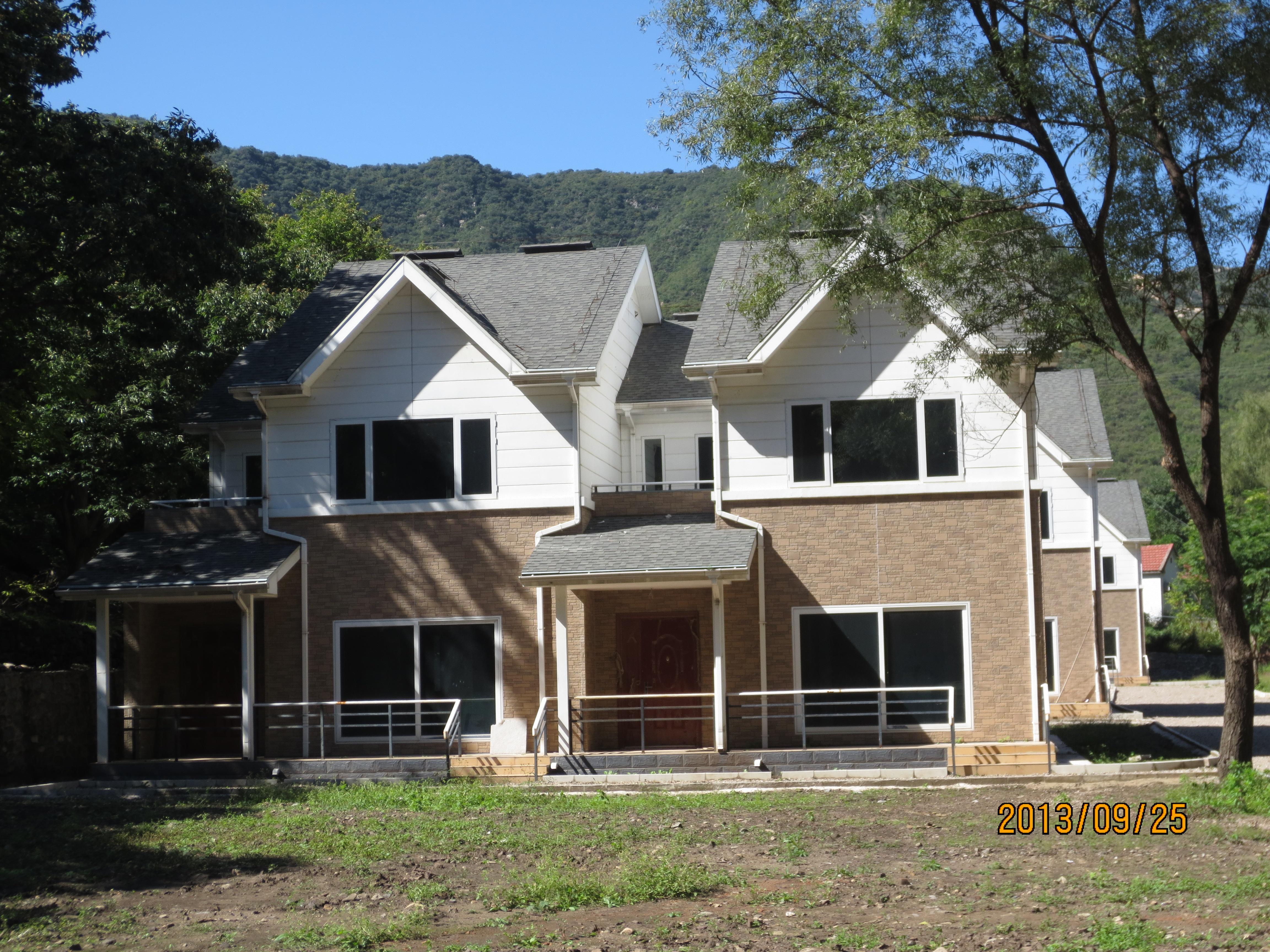 Economic Prefab Villa with Light Steel Structure
