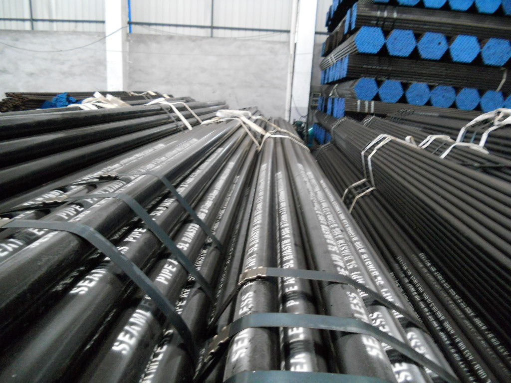 ASTM A106/API 5L/A53 Seamless Carbon Steel Pipe 3 Inch Structure Application Hot Sale