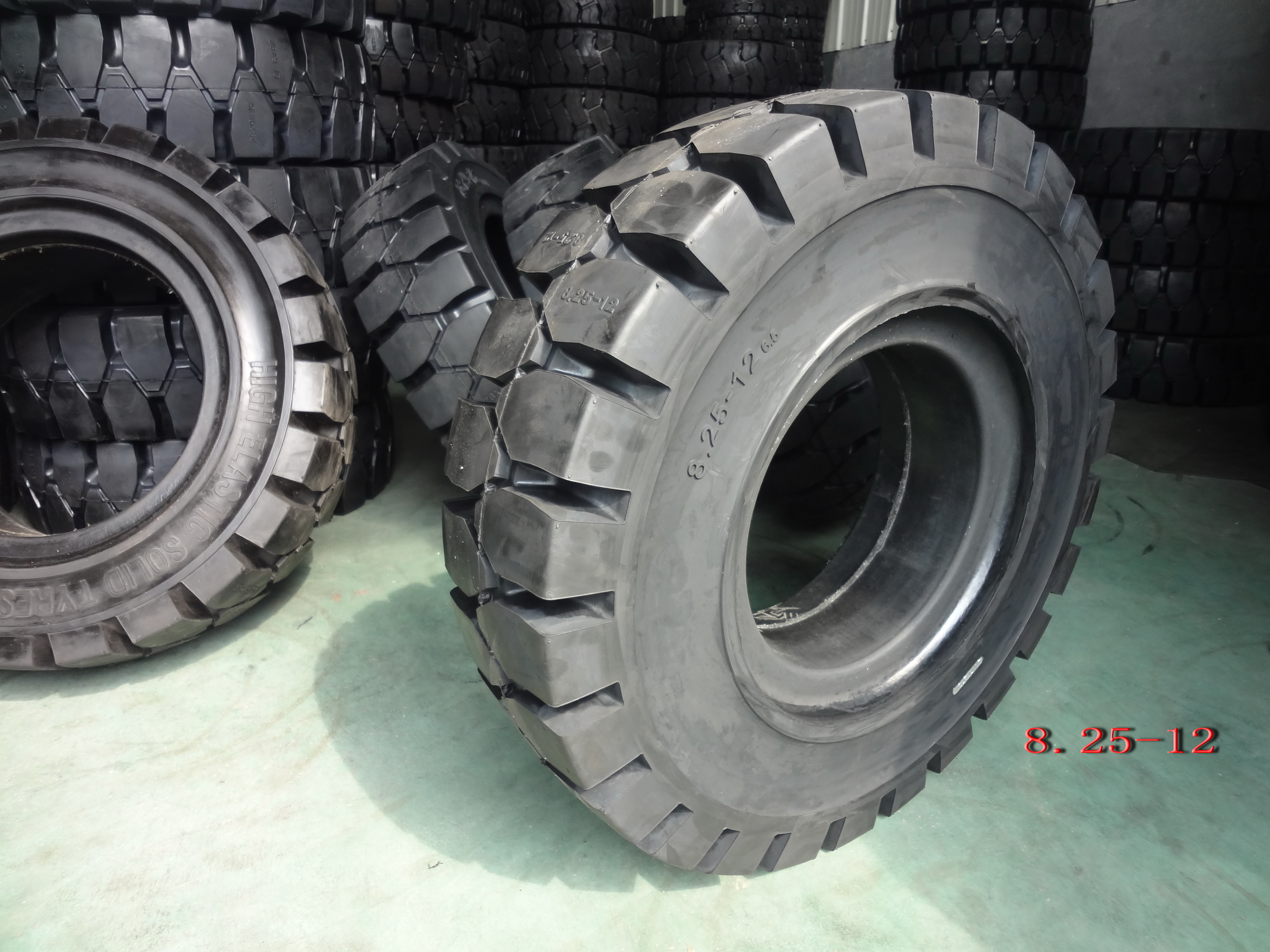 Forklift Solid Tyre-8.25-12