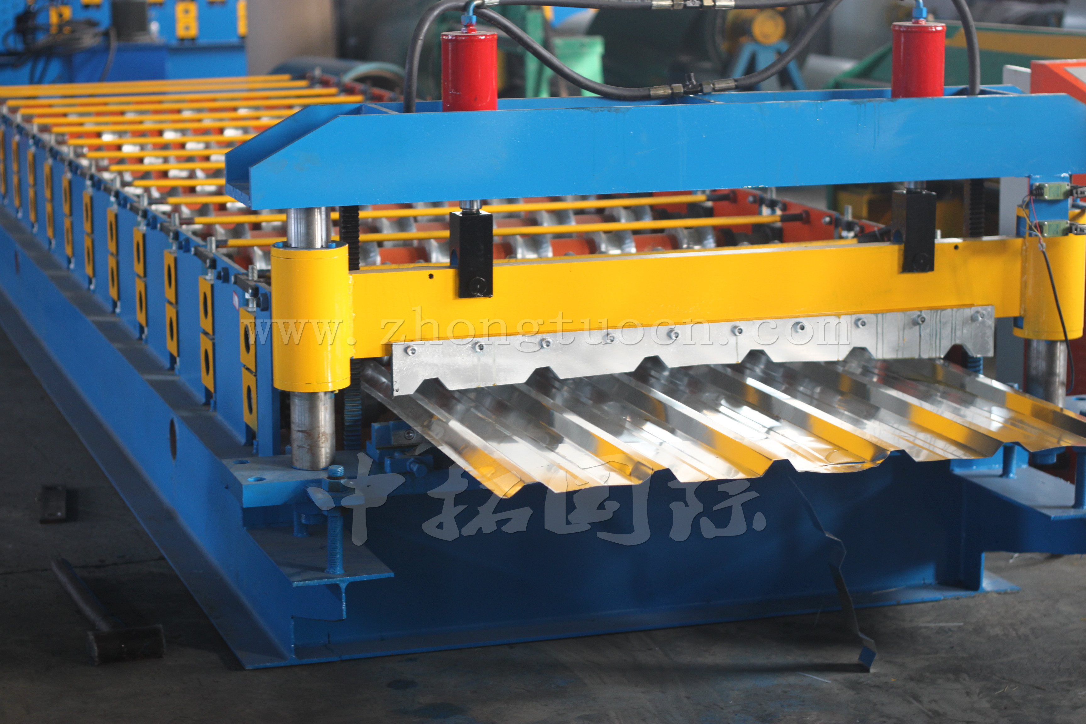 steel sheet roof tile roll forming machine