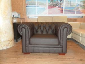 Old style leather sofa R339