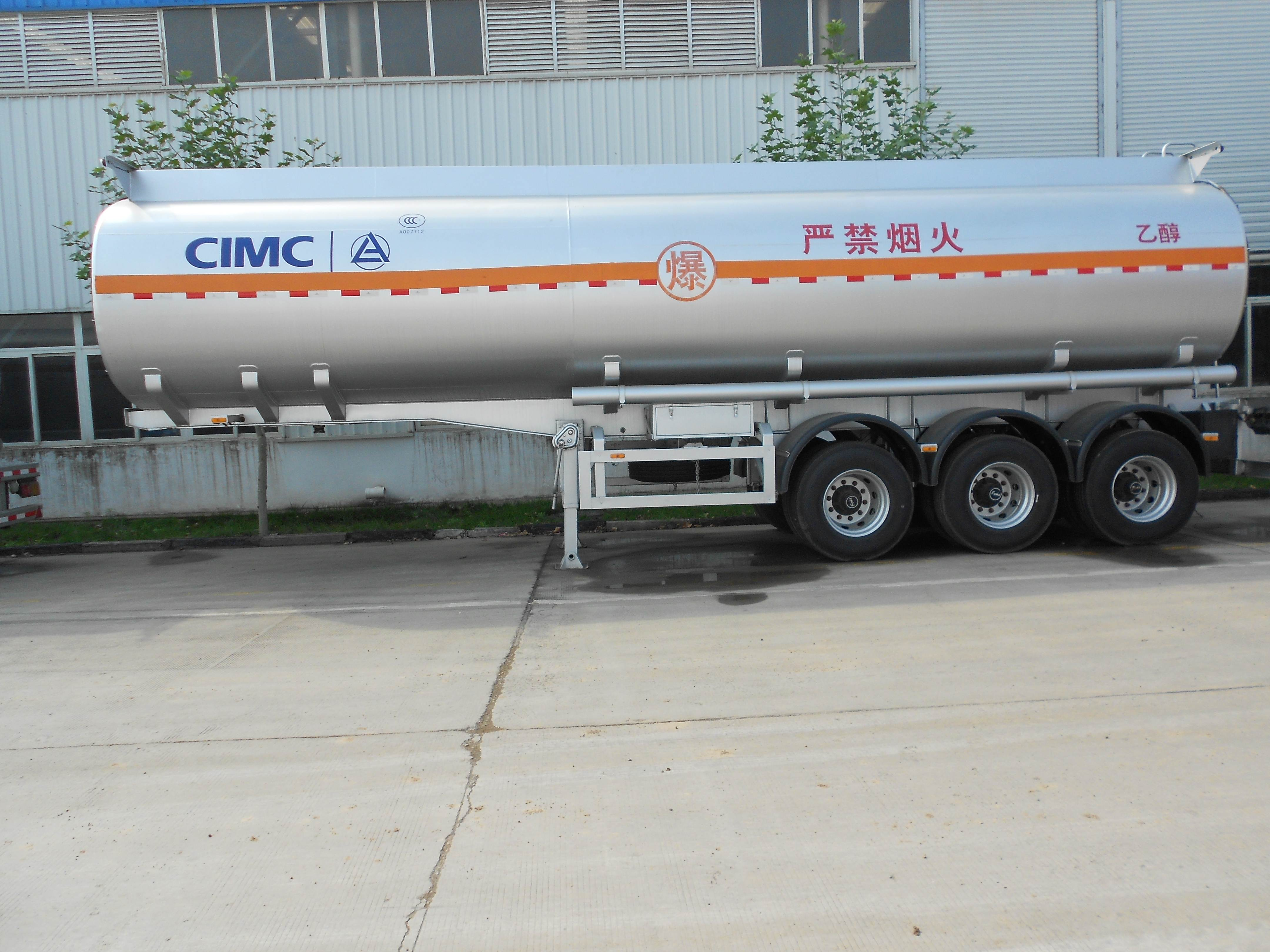 CIMC LINYU 40m3 fuel tank semi trailer