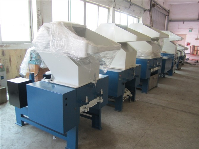 high output recycled wood plastic crusher