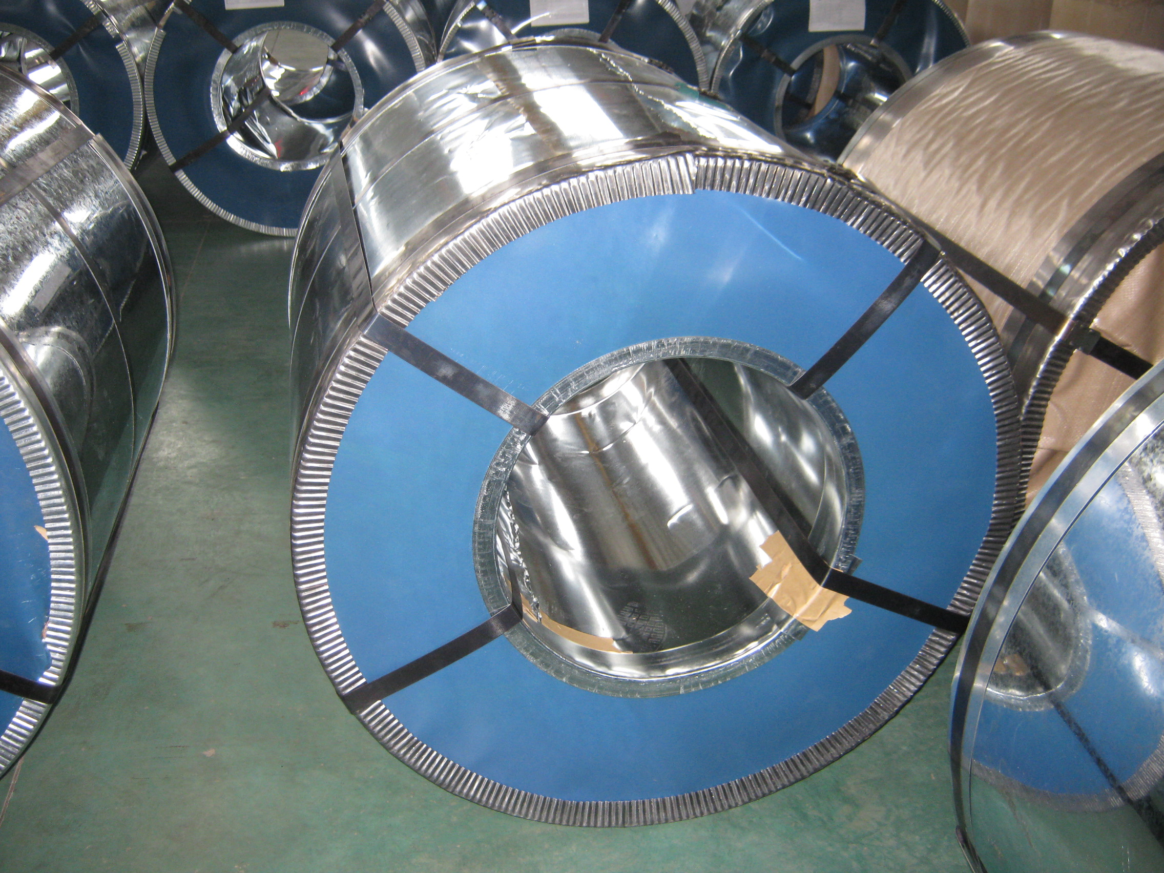 Hot dip galvanzied steel sheet in coils