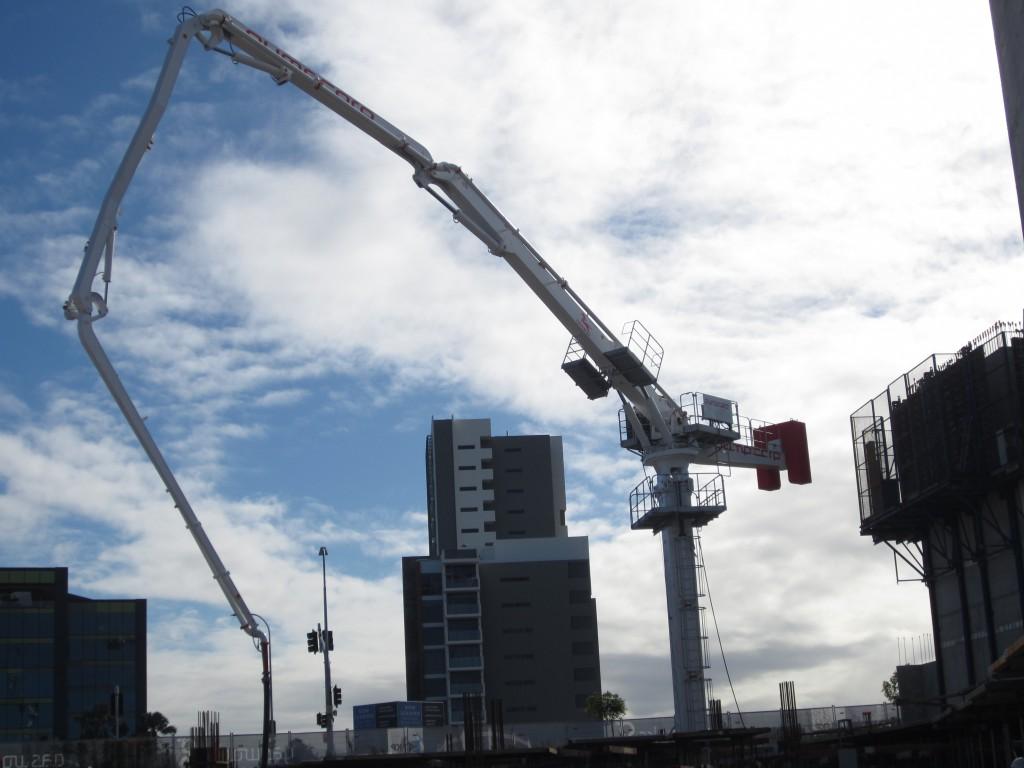 Self-Climbing Concrete Placing Boom HG32A-3R