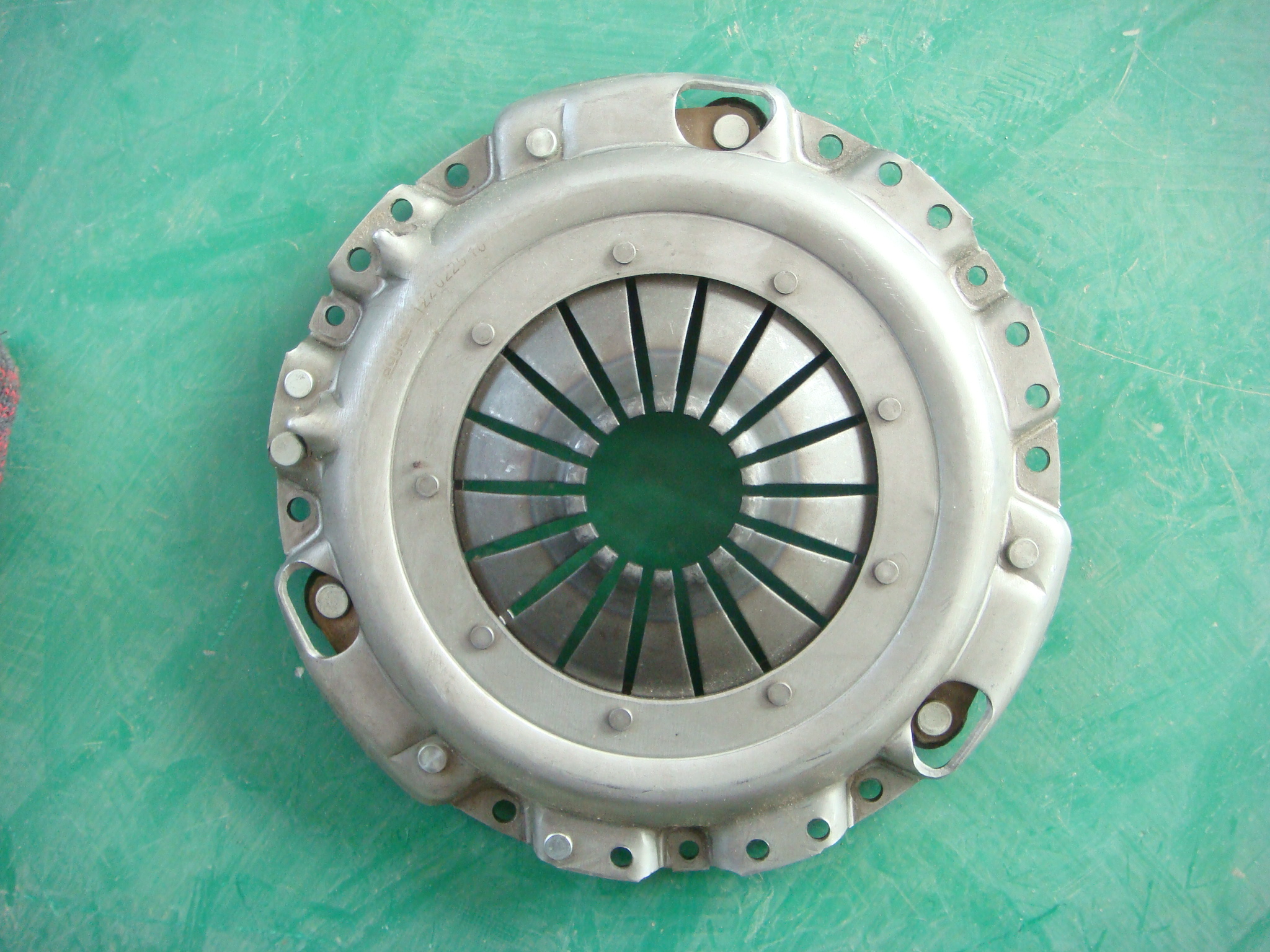 Clutch Disc for ISU KB200,230 KB24LE 3 022 VL5 00B 1 022 V05 00B RCT37SA1