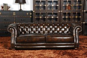 Classic chesterfield sofa 1 seater  real leather