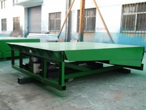 Stationary hydraulic dock lever