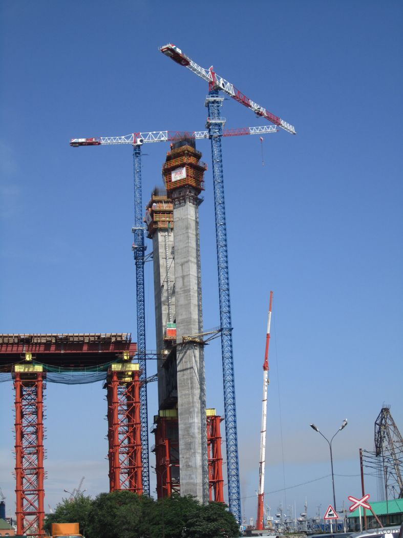 YONGMAO STT553 tower crane